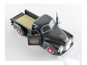 Maisto 1:24 Chev 3100 Pickup Model Car-0